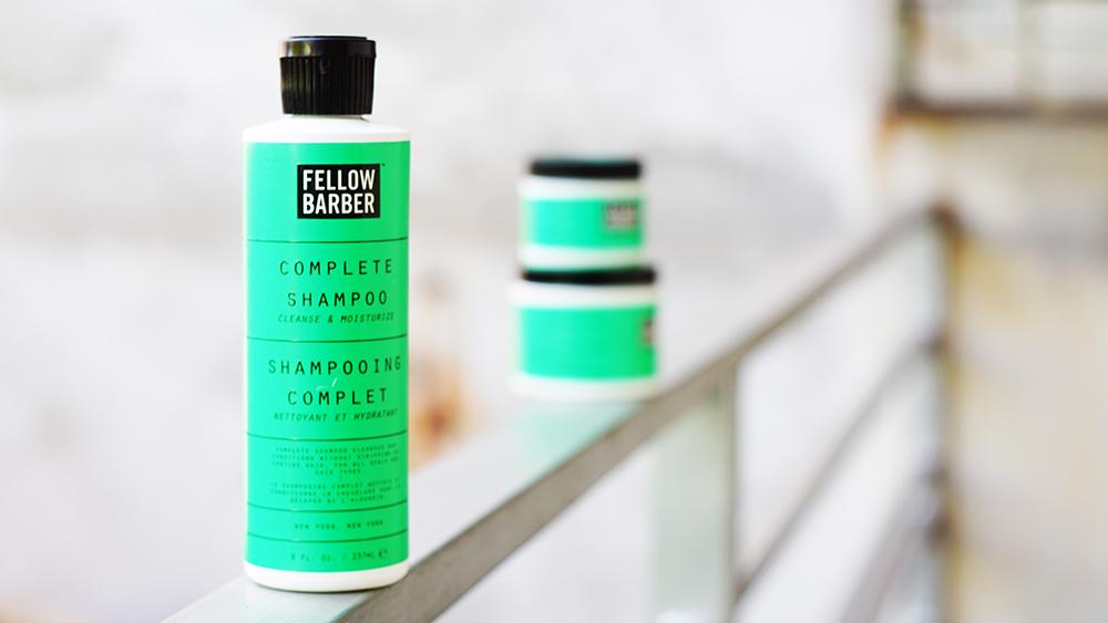 Complete Shampoo với mùi hương cực nặng của thảo mộc