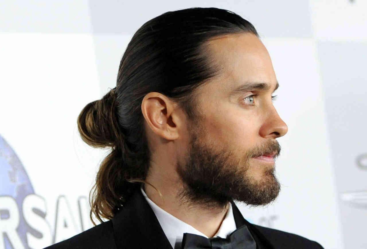 Hãy duy trì lịch cắt tóc thường xuyên, trừ khi bạn sẵn sàng nhịn nhục để nuôi tóc như thế này.